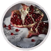 Pomegranate  Seed Round Beach Towel