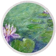 Green Pond With Water Lily Round Beach Towel