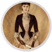 Portrait Of Isabella Reisser Round Beach Towel