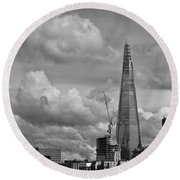 Portrait Of The Shard Black And White Version Round Beach Towel
