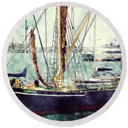 Portsmouth Harbour Boats Round Beach Towel