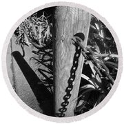 Post And Chain Fence Round Beach Towel
