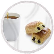Pouring Tea With Pain Au Chocolat Round Beach Towel