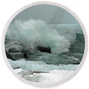 Powerful Winter Surf Round Beach Towel