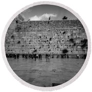 Praying At The Western Wall Round Beach Towel