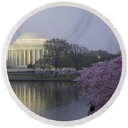 Pre-dawn At The Jefferson Memorial 2 Round Beach Towel