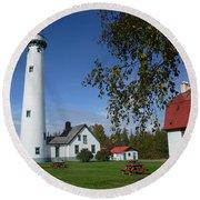 Presque Isle Mi Lighthouse 4 Round Beach Towel