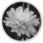 Prissy In Black And White Round Beach Towel