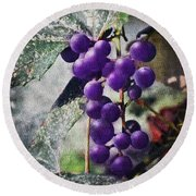 Purple Grapes - Oil Effect Round Beach Towel
