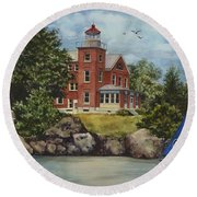 Put-in-bay Lighthouse Round Beach Towel