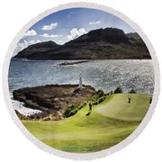 Putting Green In Paradise Round Beach Towel
