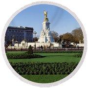 Queen Victoria Memorial At Buckingham Round Beach Towel