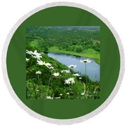 White Daisies At Queen's View 2 Round Beach Towel