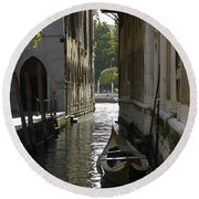 Quiet Canal In Venice Round Beach Towel
