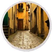 Quiet Lane In Tuscany 1 Round Beach Towel