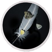 Quill With Butterflies Round Beach Towel