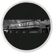 Radio City In Black And White Round Beach Towel
