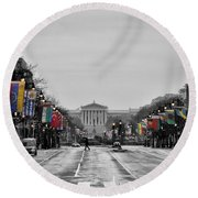 Rainy Day On The Parkway Round Beach Towel