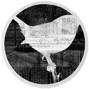 Reader Bird Round Beach Towel