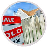 Real Estate Sold Sign Round Beach Towel