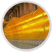 Reclining Buddha In Wat Po In Bangkok-thailand Round Beach Towel