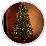 Red And Gold Christmas Tree With Caption Round Beach Towel