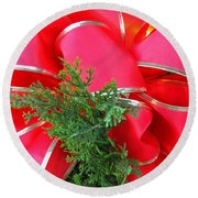 Red And Greens Round Beach Towel