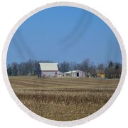 Red And White Barns Round Beach Towel