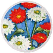 Red And White Flowers With A Blue Sky Round Beach Towel