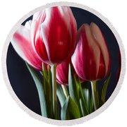 Red And White Tulips Round Beach Towel