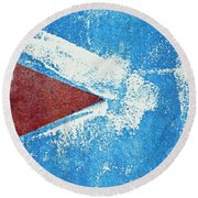 Red Arrow Painted On Blue Wall Round Beach Towel