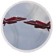 Red Arrows Cross Over Round Beach Towel