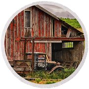 Red Barn And Truck In The Palouse Round Beach Towel