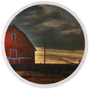 Red Barn At Dawn Round Beach Towel