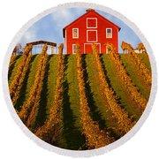 Red Barn In Autumn Vineyards Round Beach Towel