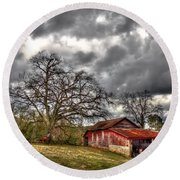 Red Barn On The Boswell Farm Round Beach Towel