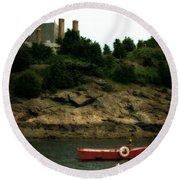 Red Boat In Newport Round Beach Towel