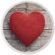 Red Burlap Heart On Vintage Table Round Beach Towel