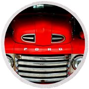 Red Cheeks Ford Round Beach Towel
