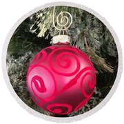 Red Christmas Ornament Round Beach Towel