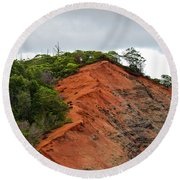 Red Cliff At Waimea Round Beach Towel