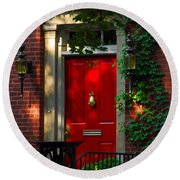 Red Door In Chicago Round Beach Towel