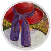 Red Hat Garden Round Beach Towel