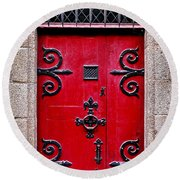 Red Medieval Door Round Beach Towel