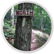 Red North Sign Round Beach Towel
