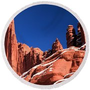 Red Rock Towers Round Beach Towel
