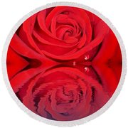 Red Rose Reflects Round Beach Towel