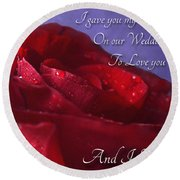 Red Rose Romantic Greeting Card Round Beach Towel