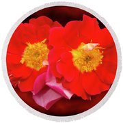 Red Roses Heart Round Beach Towel
