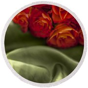 Red Roses On Green Silk Round Beach Towel